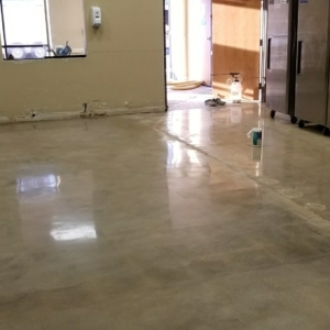 polished concrete flooring in distribution warehouse